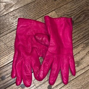 Neiman Marcus Pink Leather Cashmere Lined Gloves